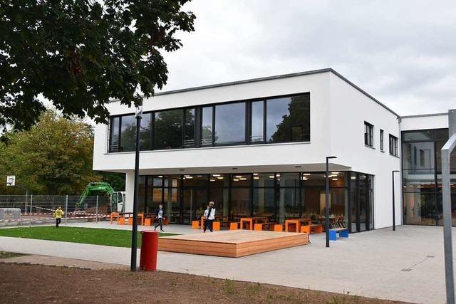 Die Jengerschule in Ehrenkirchen eingeweiht – pünktlich und im Kostenrahmen