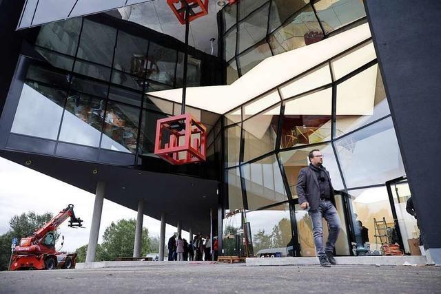 Leserinnen und Leser dürfen als Erste ins Forum am Rhein