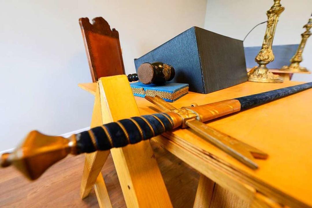 Das Schwert gehört zur unverzichtbaren.... Einzelheiten wissen nur Eingeweihte.  | Foto: Ingo Schneider