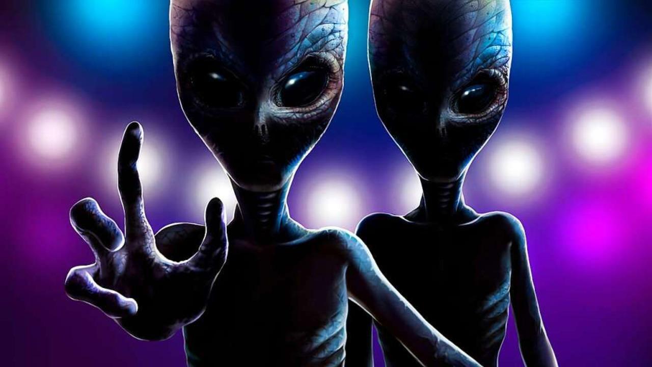 Hinter allem lauern fremde Mächte. Zumindest für Verschwörungstheoretiker.  | Foto: lady_leona - stock.adobe.com