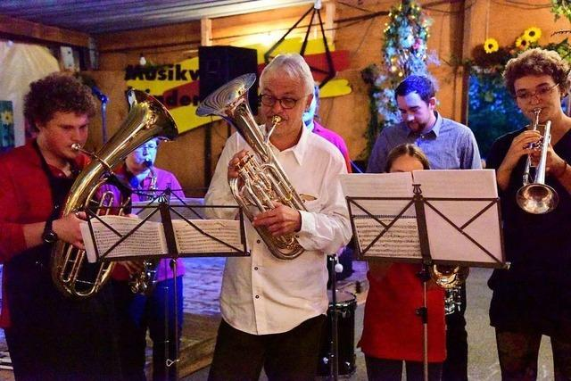 Die Kilbi in Windenreute rockt- auch dank einiger Gastmusiker
