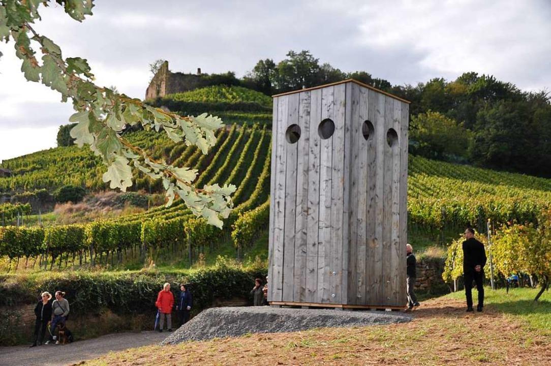 Die zehn Tonnen schwere Skulptur steht im Gewann Reitschmiedt.  | Foto: Rainer Ruther