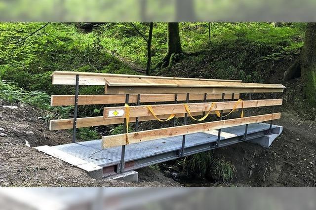 Neue Brücke am Fliederbach