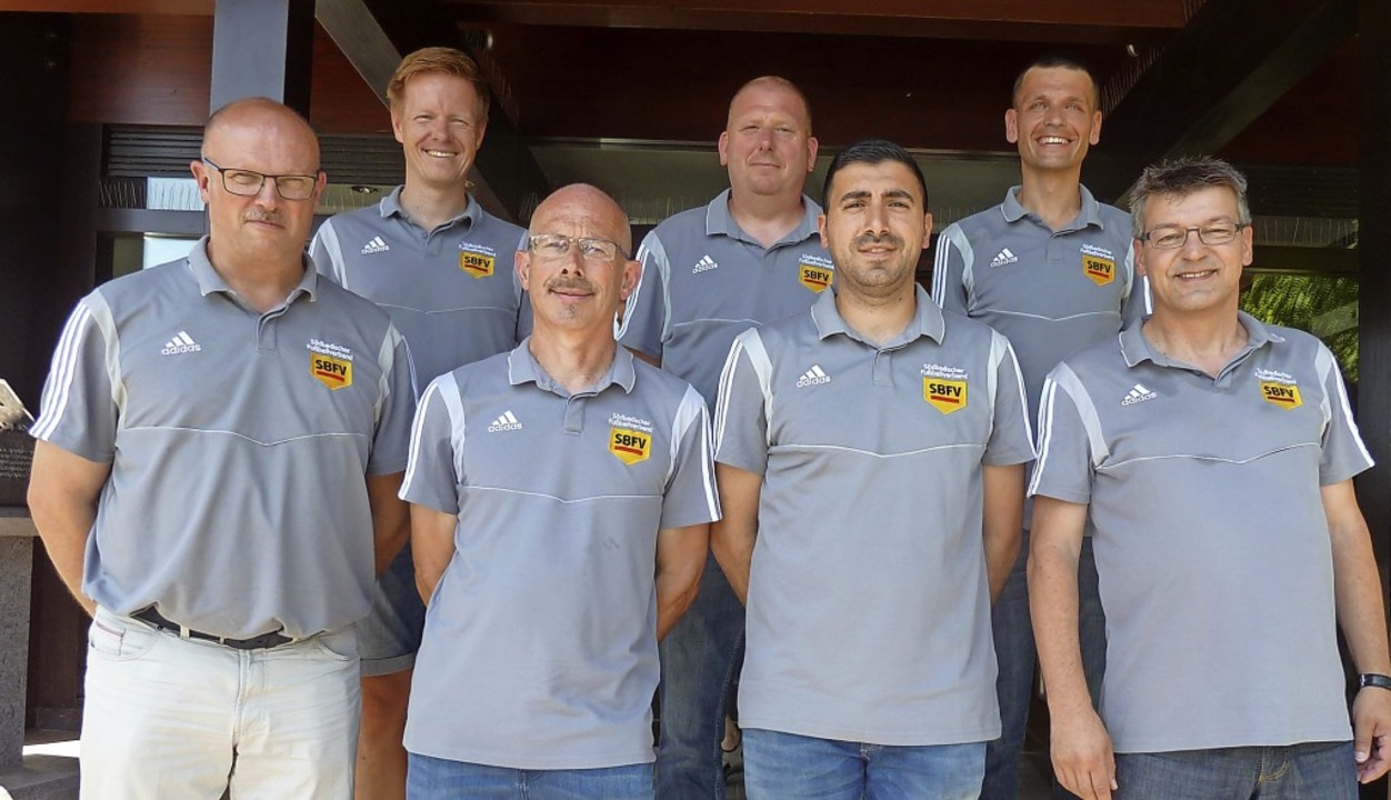 Die Vorstandschaft der Schiedsrichterv... Michael Walther und Wilfried Pertschy  | Foto: Fred-Jürgen Becker