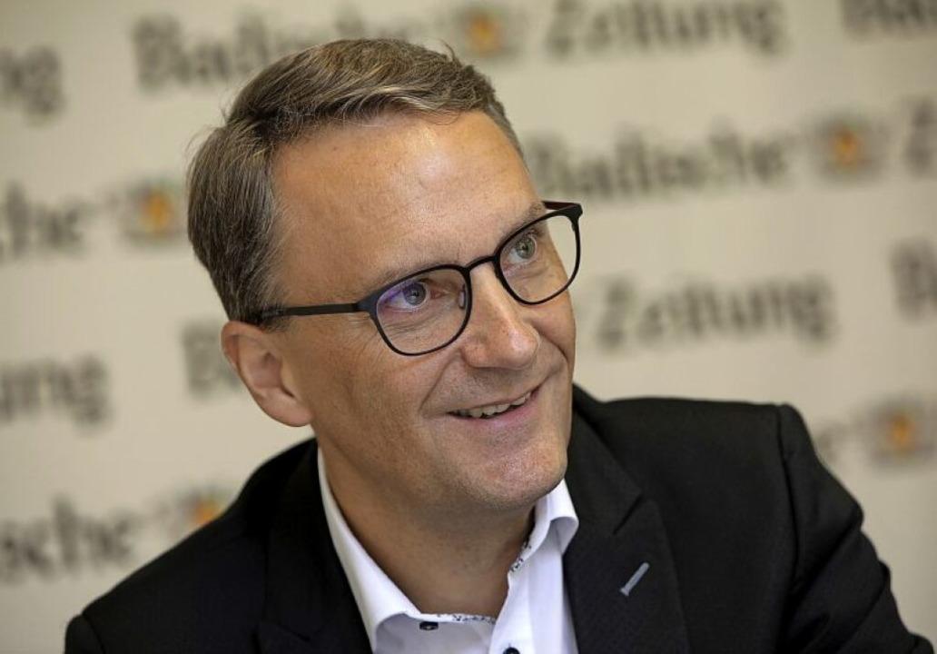 OB-Kandidat Markus Ibert im Gespräch mit der Badischen Zeitung    | Foto: Christoph Breithaupt
