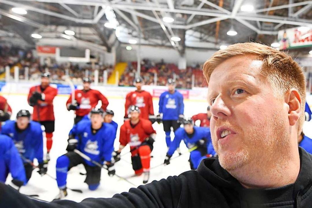 Coach Peter Russell gibt bei den Wölfen die Richtung vor.   | Foto: Patrick Seeger