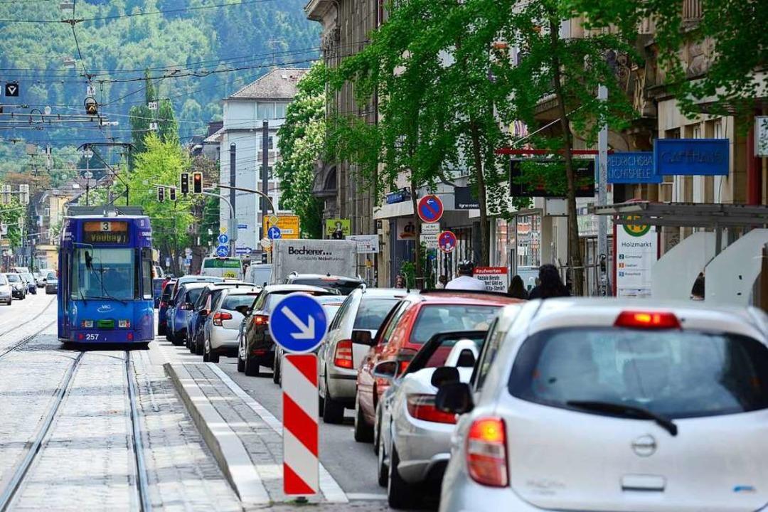 Auto oder Straßenbahn? Welche Fahrzeug...noch in der Innenstadt unterwegs sein?  | Foto: Ingo Schneider