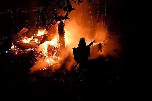 Gartenlaube in Lahr durch Brand stark beschädigt