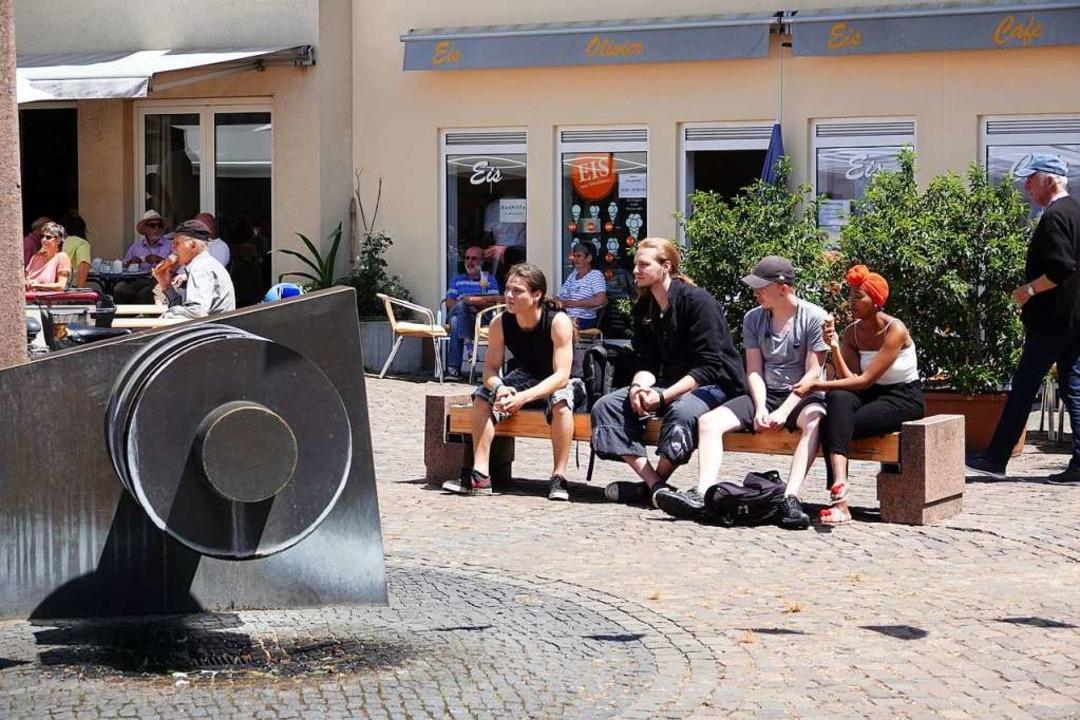 Die Aufenthaltsqualität rund um den St...ßt es im neuen Einzelhandelsgutachten.  | Foto: Hans-Jürgen Hege
