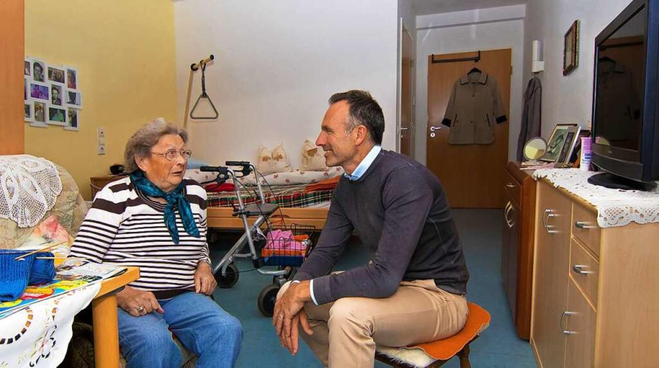 Gedankenaustausch zwischen Geschäftsfü... von St. Raphael in Titisee-Neustadt.   | Foto: (c) Gerd Lache