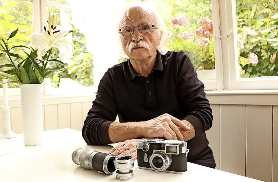 Hermann Sumser ist ein leidenschaftlic...lten Leica seines Vaters aufgenommen.   | Foto:  Wursthorn, Jens