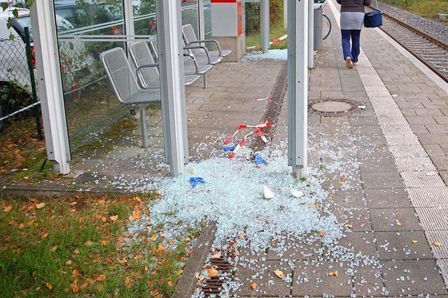 Zerstörungen am Bahnhof Hausen-Raitbach