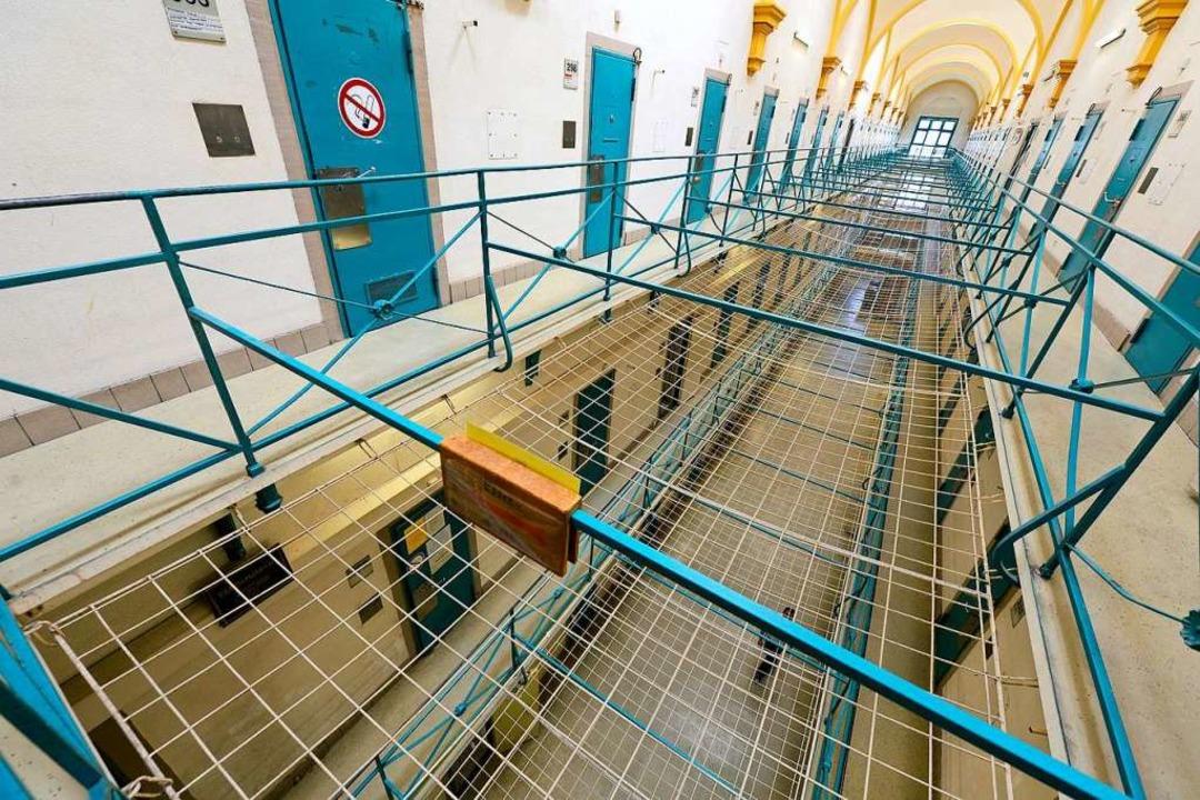 In jedem Gefängnis gibt es illegale Dr...st auch den dort Angestellten bewusst.  | Foto: Ingo Schneider