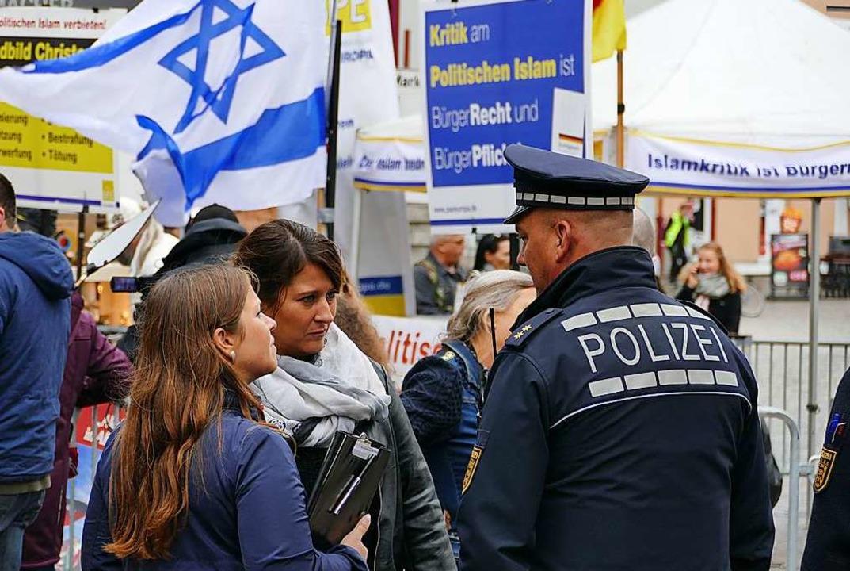 Ordnungsamt und Polizei hatten die Lage im Blick.  | Foto: Mark Alexander