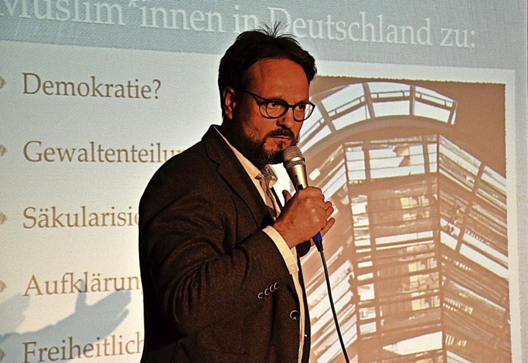 Jörg Imran Schröter spricht über Religion als Ressource für Demokratie.    Foto: Christlich – Islamischer Verein Hochrhein