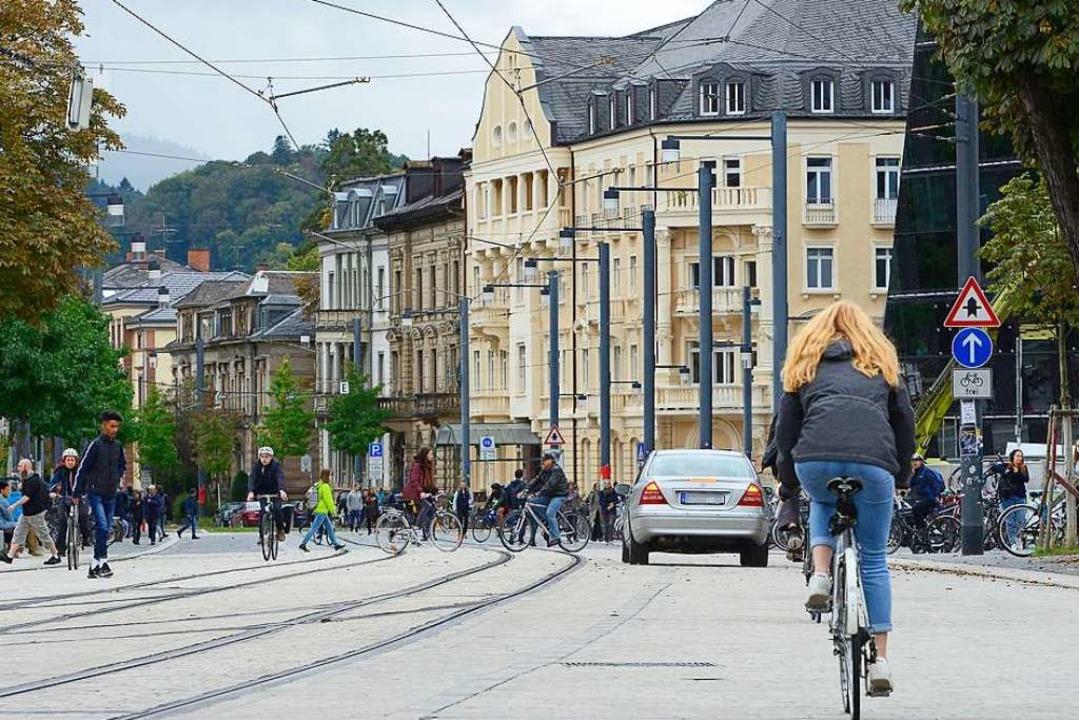 Zu viele Autos fahren durch die Fußgän...athaus, einen Blitzer zu installieren.  | Foto: Ingo Schneider