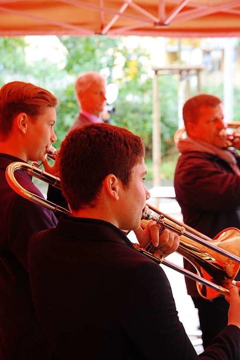 Schüler der Jugendmusikschule umrahmten die Feier musikalisch  | Foto: Hans-Peter Müller