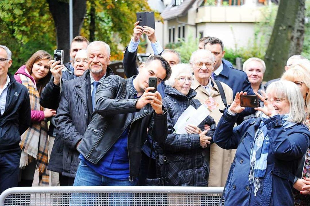 Heutzutage will alles von allen fotografiert und gefilmt werden.  | Foto: Hans-Peter Müller