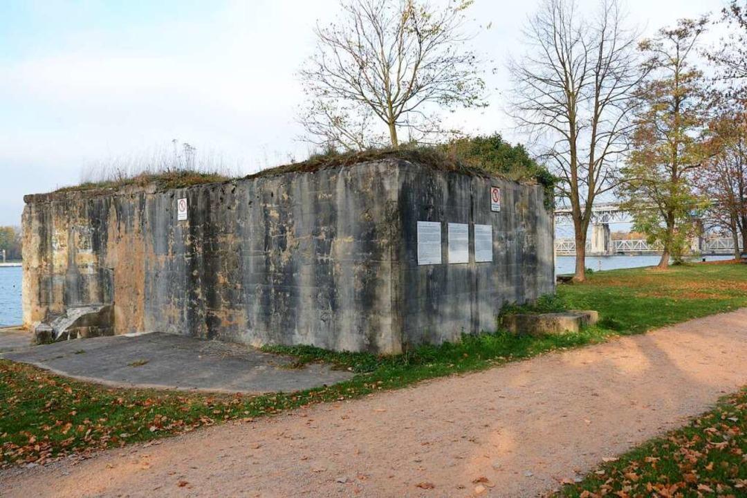Der Bunker beim Märkter Stauwehr ist a... Westwallbauten,  unter Denkmalschutz.  | Foto: Hannes Lauber