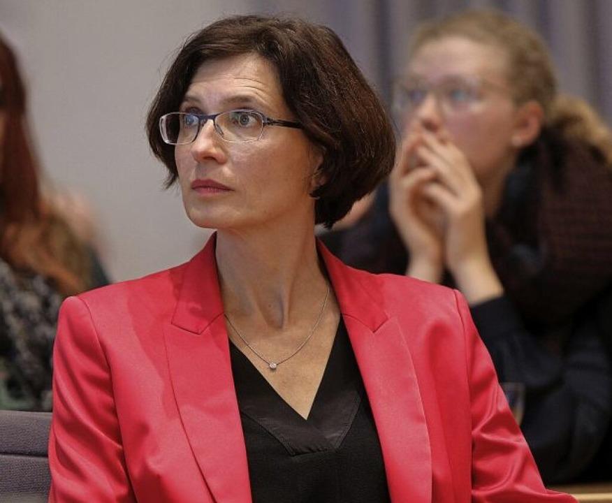 Christine Buchheit war die Anspannung anzusehen.  | Foto: Christoph Breithaupt