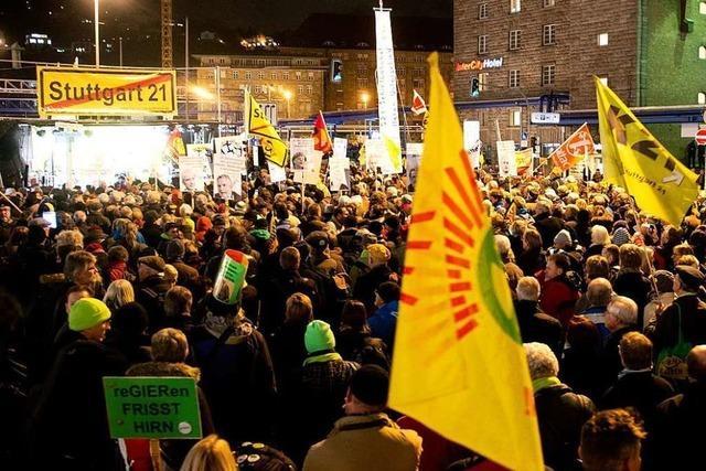 Jubiläumsprotest in Stuttgart: Zehn Jahre Montagsdemo gegen S 21