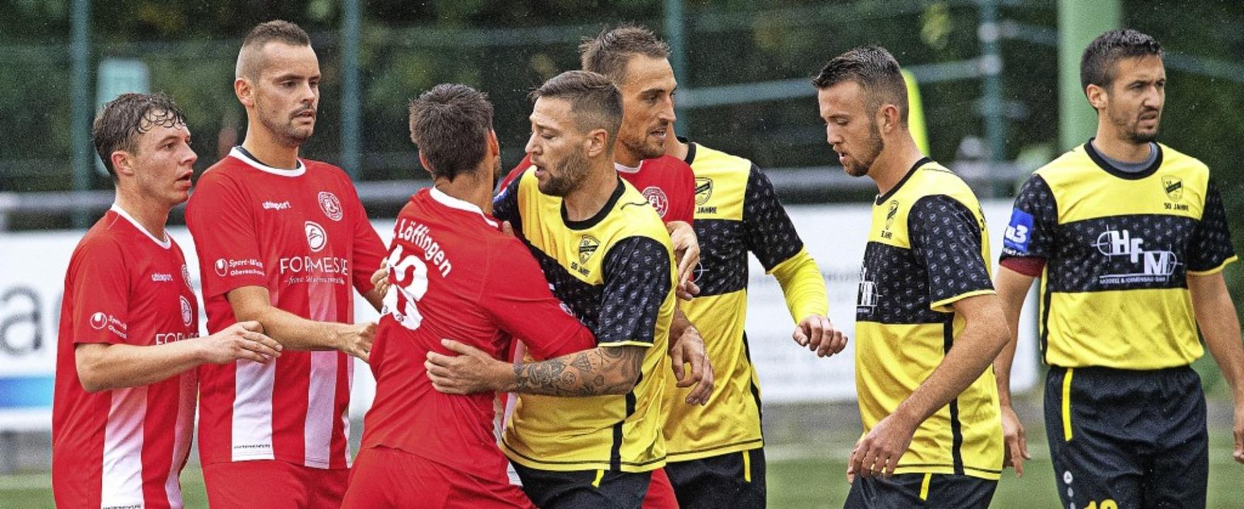 Die Roten aus Löffingen erlebten im He...sowie Torhüter Osek durch Verletzung.   | Foto: Wolfgang Scheu