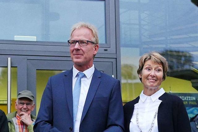 Bürger und viele Gäste feiern die Wiederwahl von Bürgermeister Jörg Kindel