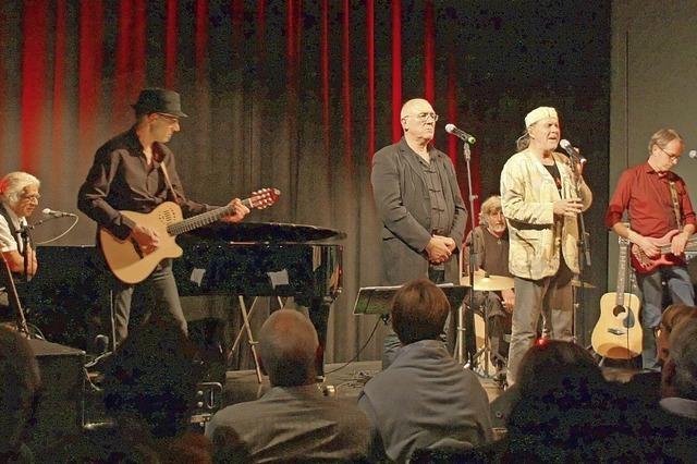 Rock unplugged auf der Theaterbühne