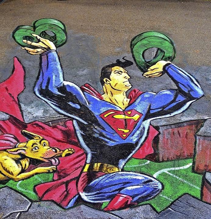 Hier bricht Superman durch den Waldkircher Asphalt.   | Foto: WGW