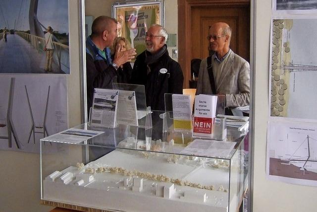 Großes Interesse am Rheinsteg-Modell