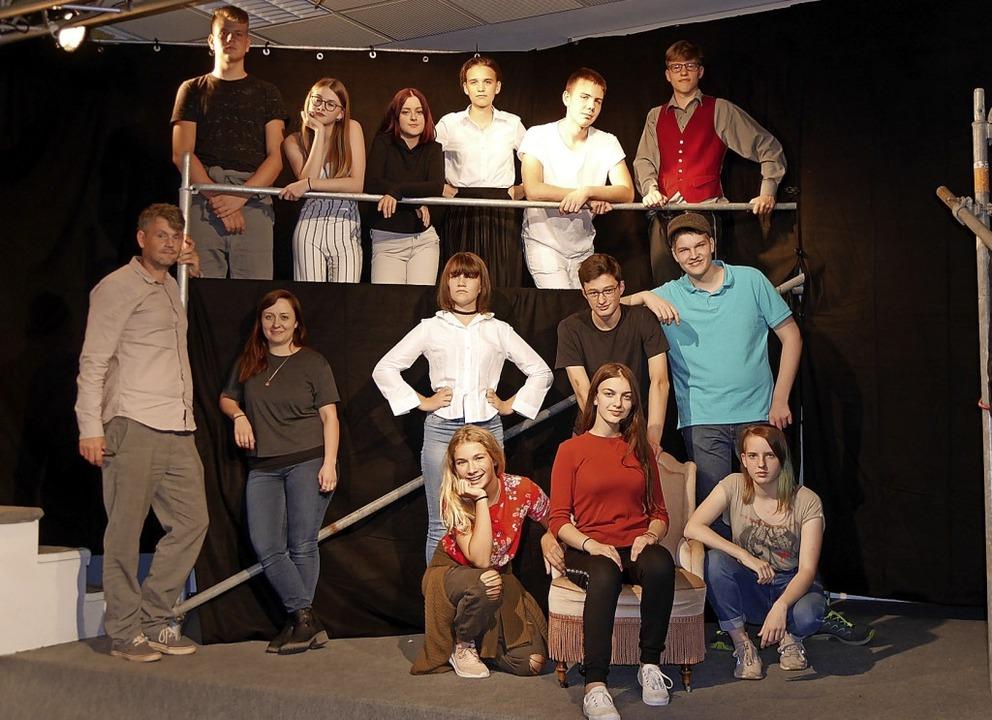 Das Ensemble des Jungen Theaters in Ba...nne Ragusa von der Festspielgemeinde.   | Foto: Marion Rank