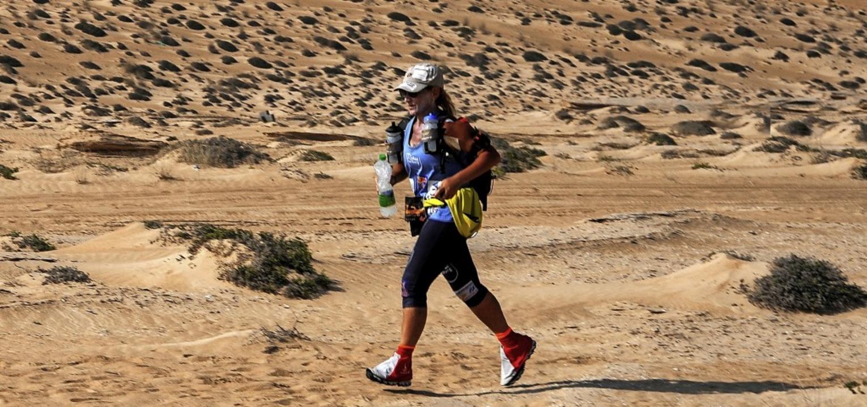 1000 Kilometer durch die Sahara: Die L...ängsten Lauf ihren Lebens in Angriff.   | Foto: Privat