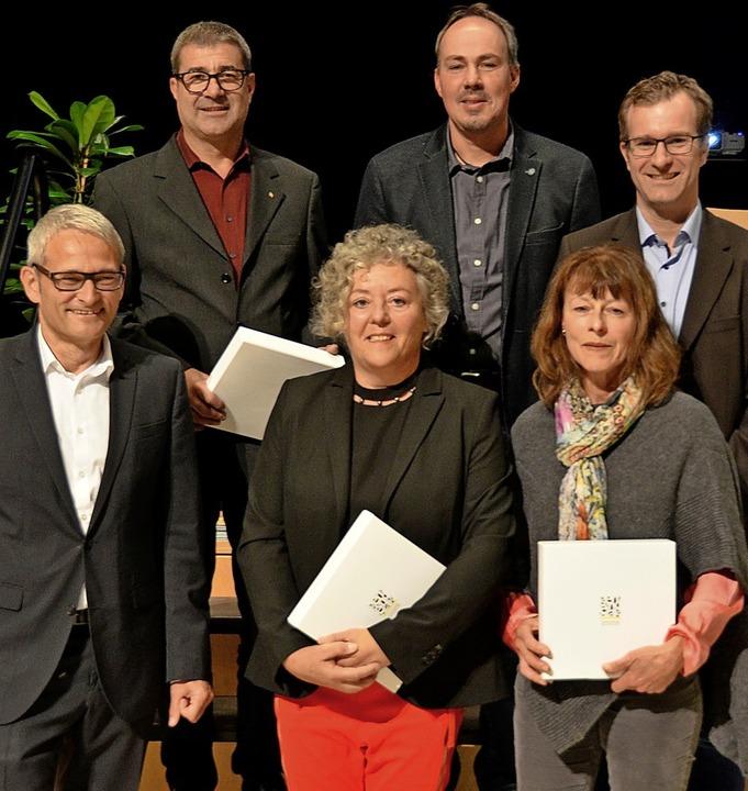 Die geehrten, ehemaligen Gemeinderäte ...r, Daniela Fünfgeld und Eva Markowski     Foto: Sophia Hesser