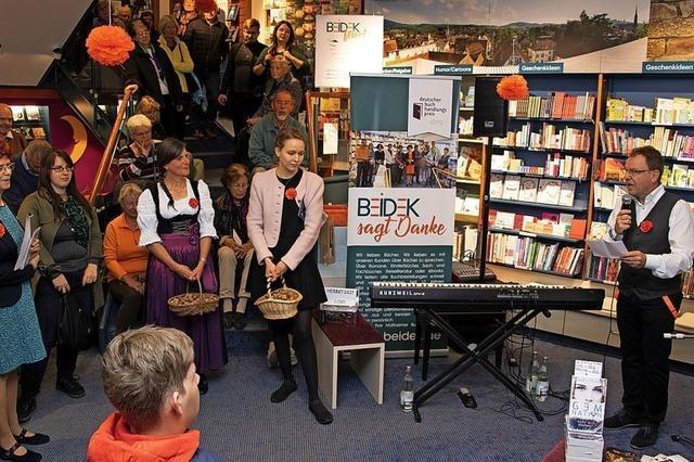 Müllheims Buchhandlung Beidek feiert mit Kunden Auszeichnung beim Deutschen Buchhandlungspreis