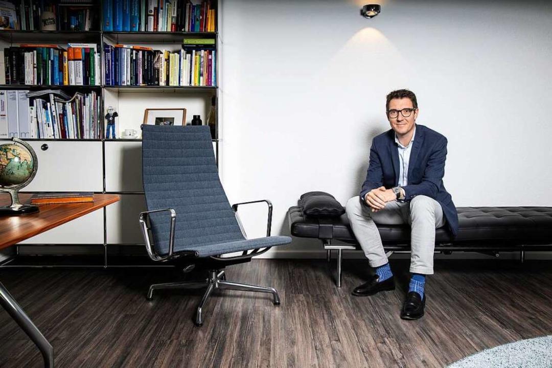 Claas Lahmann in seinem Büro  | Foto: Joss Andres