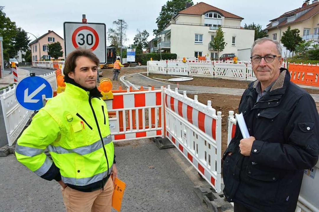Am Montag werden diese Absperrung alle... Bürgermeister Christoph Huber sicher.    Foto: Hannes Lauber