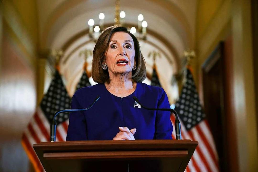 Nancy Pelosi, Vorsitzende des US-Reprä...n gegen US-Präsident Trupmp einleiten.  | Foto: Andrew Harnik (dpa)