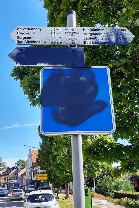 Verkehrsschilder und Telefonzellen fallen oft dem Vandalismus zum Opfer.  | Foto: Gemeinde Murg