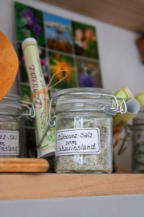 Auch Produkte aus der Region stehen in Lilli's Café zum Verkauf.  | Foto: Annika Sindlinger