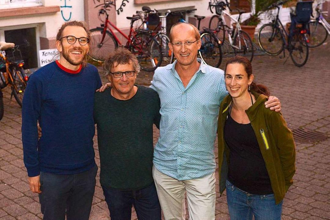 Björn Beckmann, Uwe Honecker, Tilman R...t (von links) von der  Gruppe Medinetz    Foto: Ingo Schneider