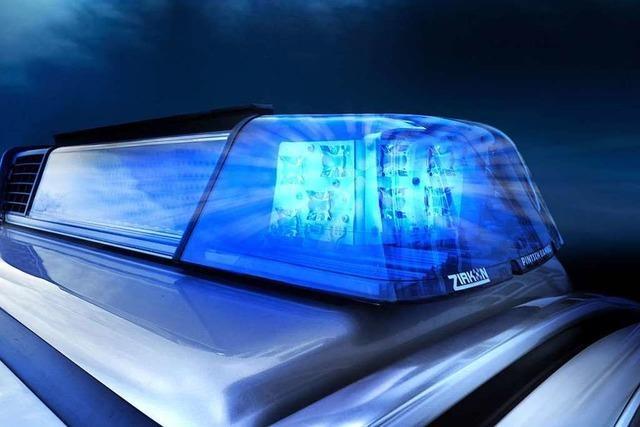 Mehrere Täter sollen einen 20-Jährigen am helllichten Tag im Rieselfeld ausgeraubt haben