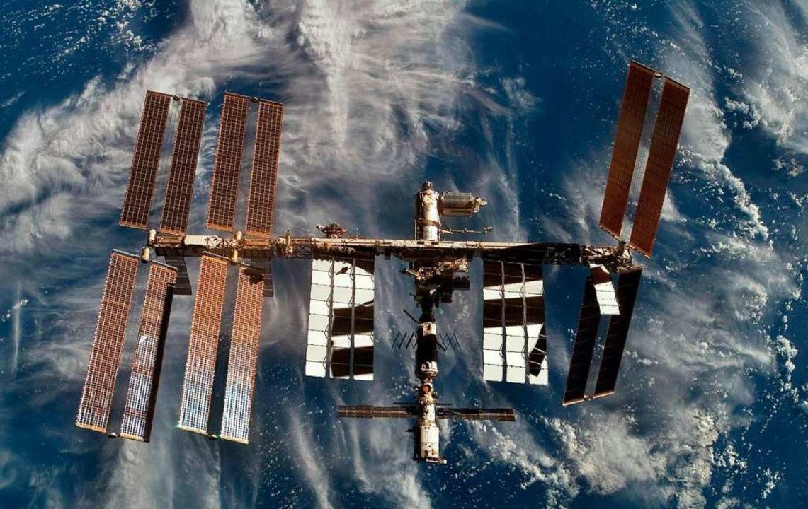 Zur  Internationalen Raumstation ISS s...ys in Rust Kontakt hergestellt werden.  | Foto: A9999 ESA/NASA