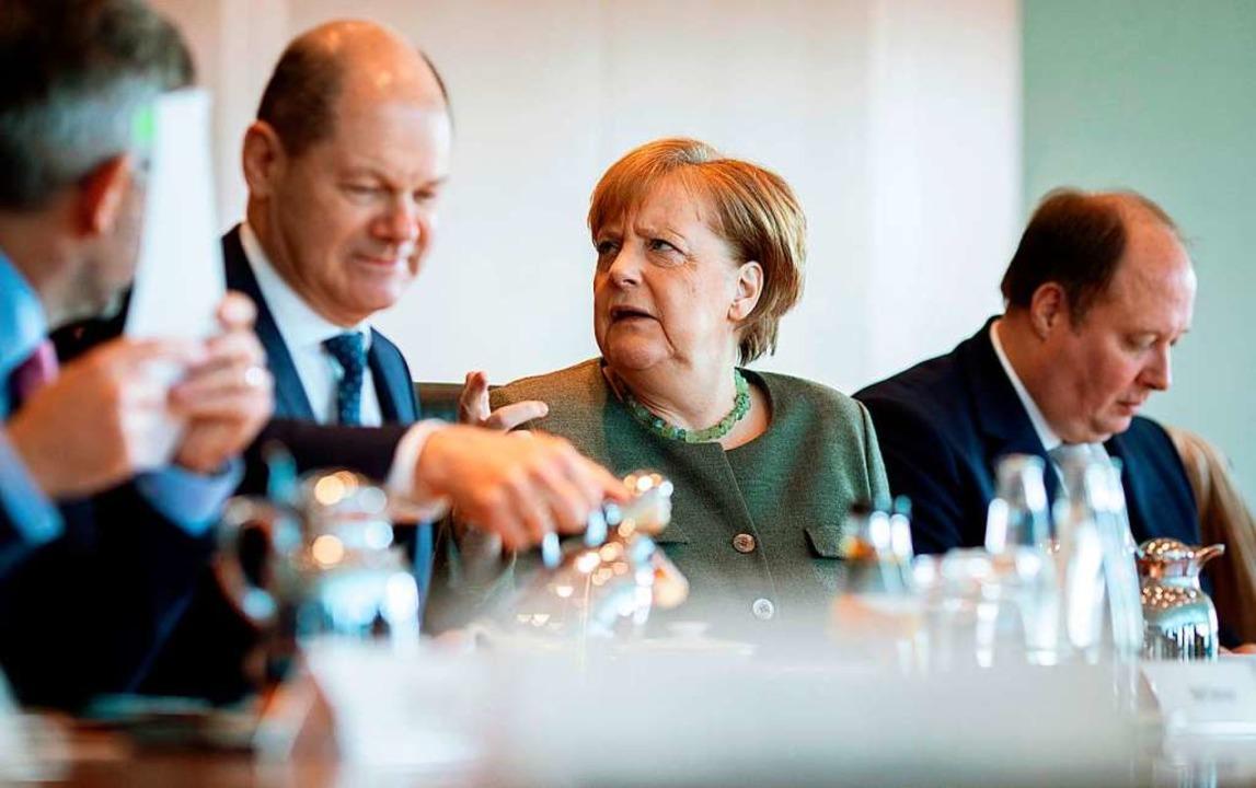 Bundeskanzlerin Angela Merkel (CDU) und Vizekanzler Olaf Scholz  (SPD)  | Foto: Kay Nietfeld
