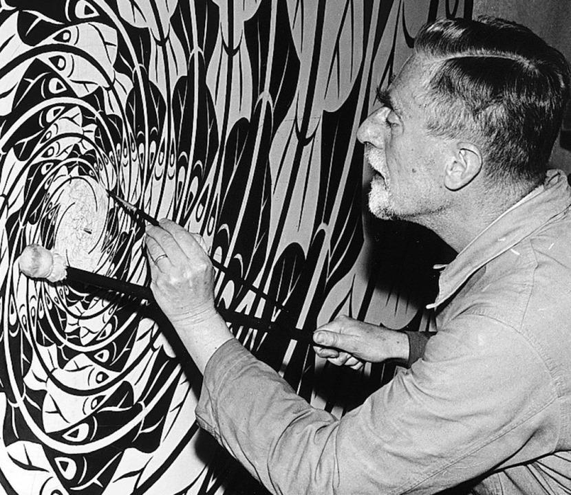 M. C. Escher bei der Arbeit  | Foto: Mfa