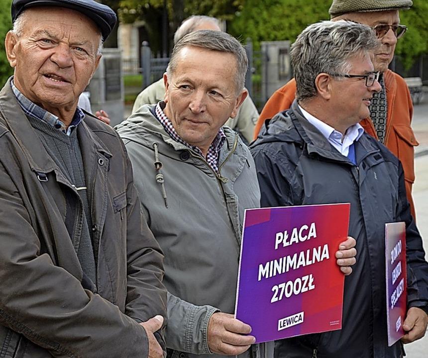 Anhänger von Robert Biedrons Linksalli...2700 Zloty, umgerechnet etwa 630 Euro.  | Foto: Krökel