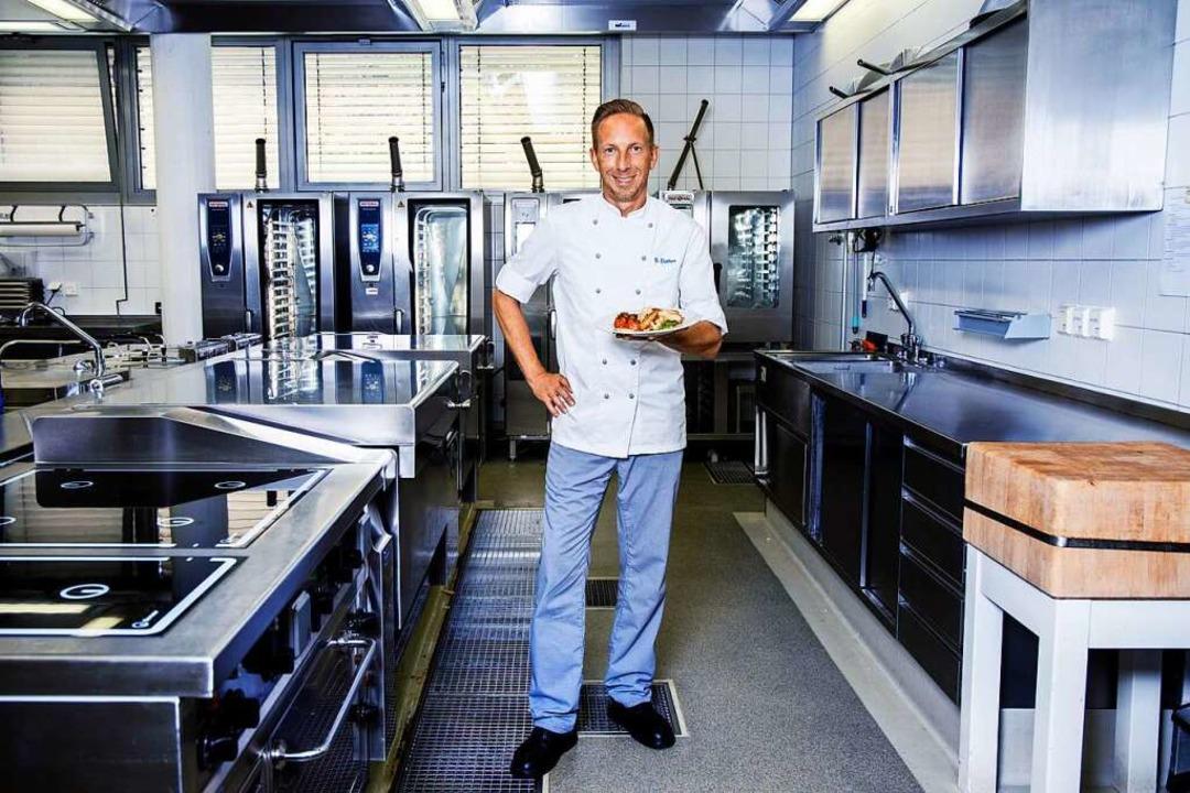 Gesund zu kochen ist ihm wichtig: Sacha Dohm.   | Foto: Joss Andres
