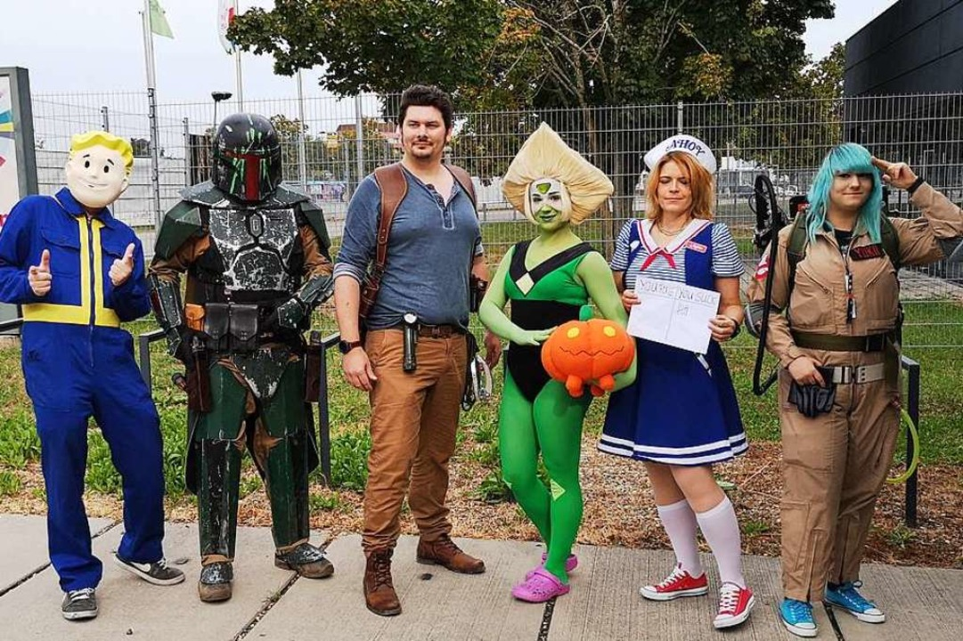 Cosplayer erwecken Film- und Comic-Fig...ine Kurz, Sara Parker und Deni Schmid.  | Foto: Nele Augenstein