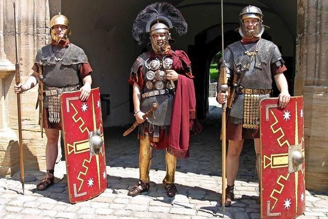 Römische Legionäre auf der Durchreise im Colombipark: Aktionstag des Archäologischen Museums Colombischlössle