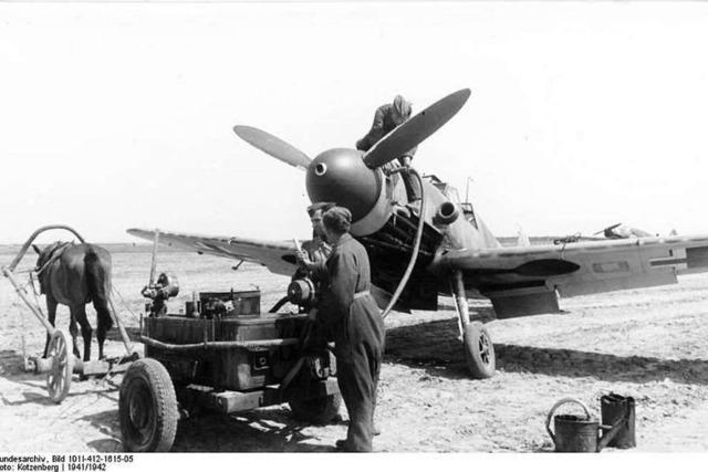 Ein Isteiner rekonstruiert den Absturz von 5 Kampfflugzeugen
