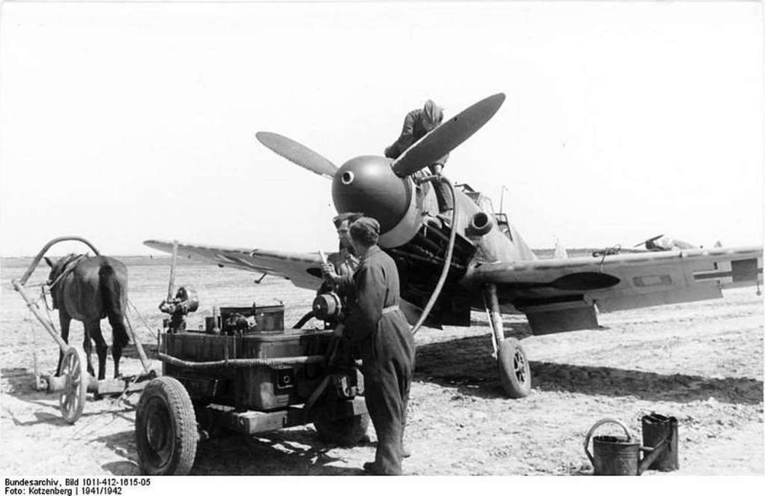 Eine Messerschmitt ME-109, wie sie Herbert Koch flog,  beim Betanken  | Foto: Claude Fröhle